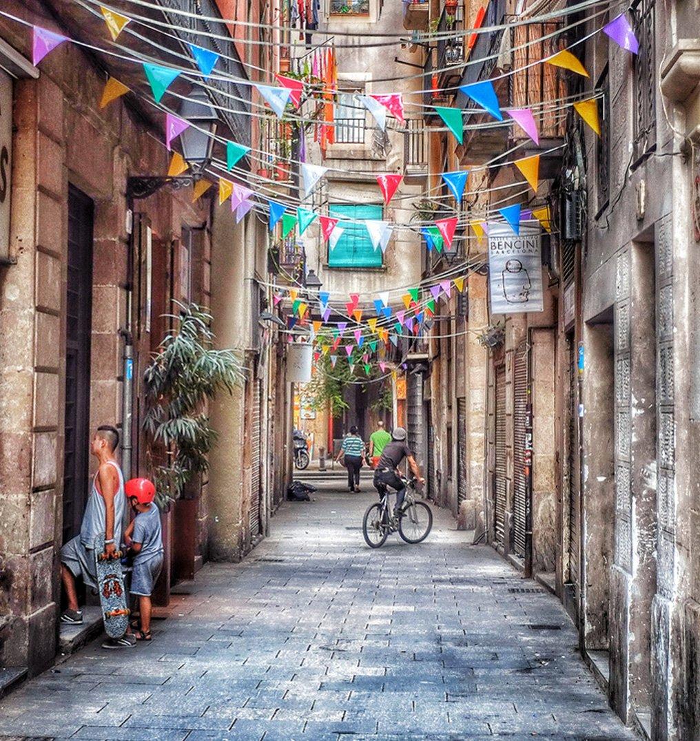free bike tour barcelona el borne